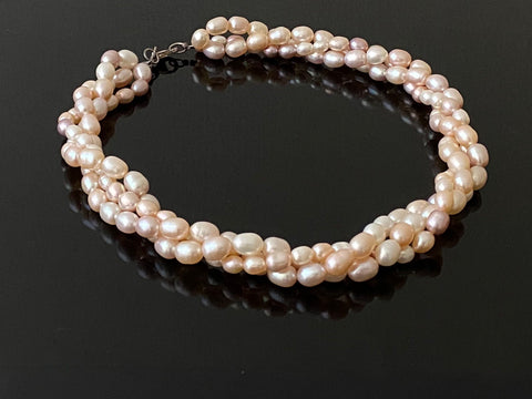 Three String Rope Design Pearl Neckwear in Silver