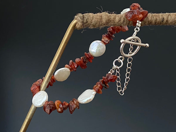 Pearls and Carnelian Beads Bracelet in Silver