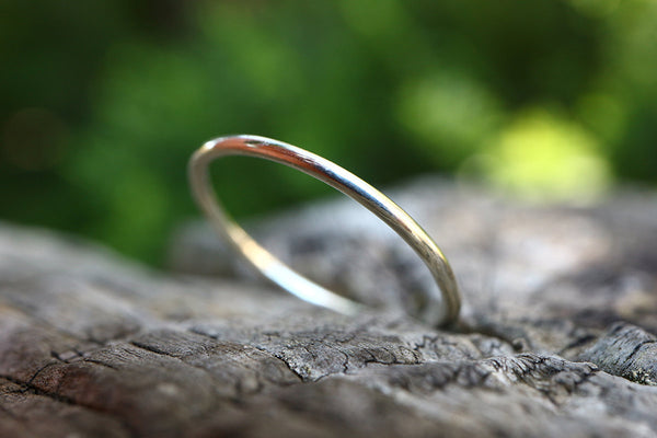 Solid 9ct White Gold Ring