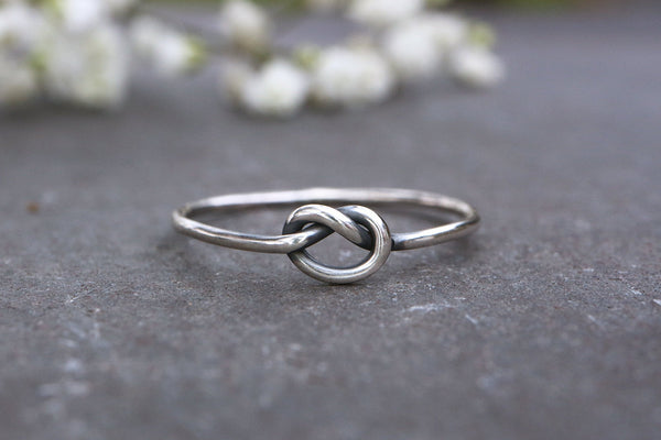 Skinny Knot Ring