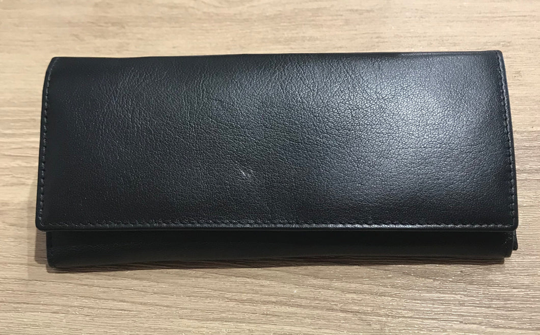 Yoshi Leather Black Leather Purse