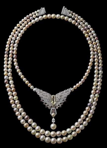 A Cartier pearl necklace