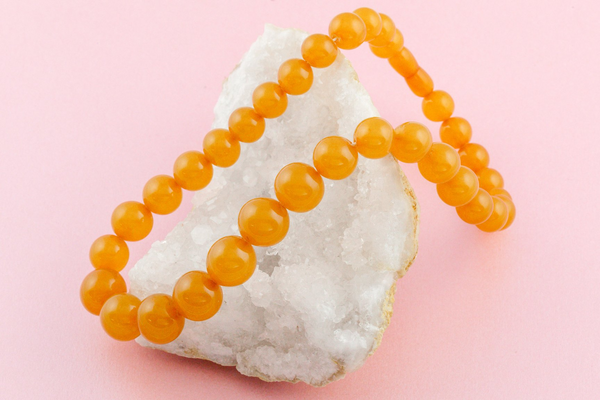 An Art Deco amber necklace