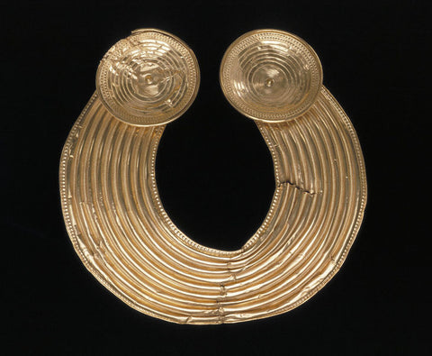 The Shannongrove gorget Gold collar