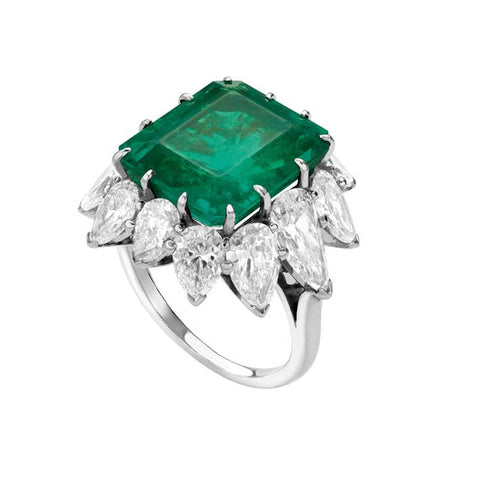Elizabeth Taylor's Platinum ring with emerald and diamond cluster