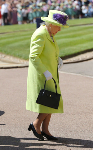 The Queen wears lime green for Prince harry's wedding