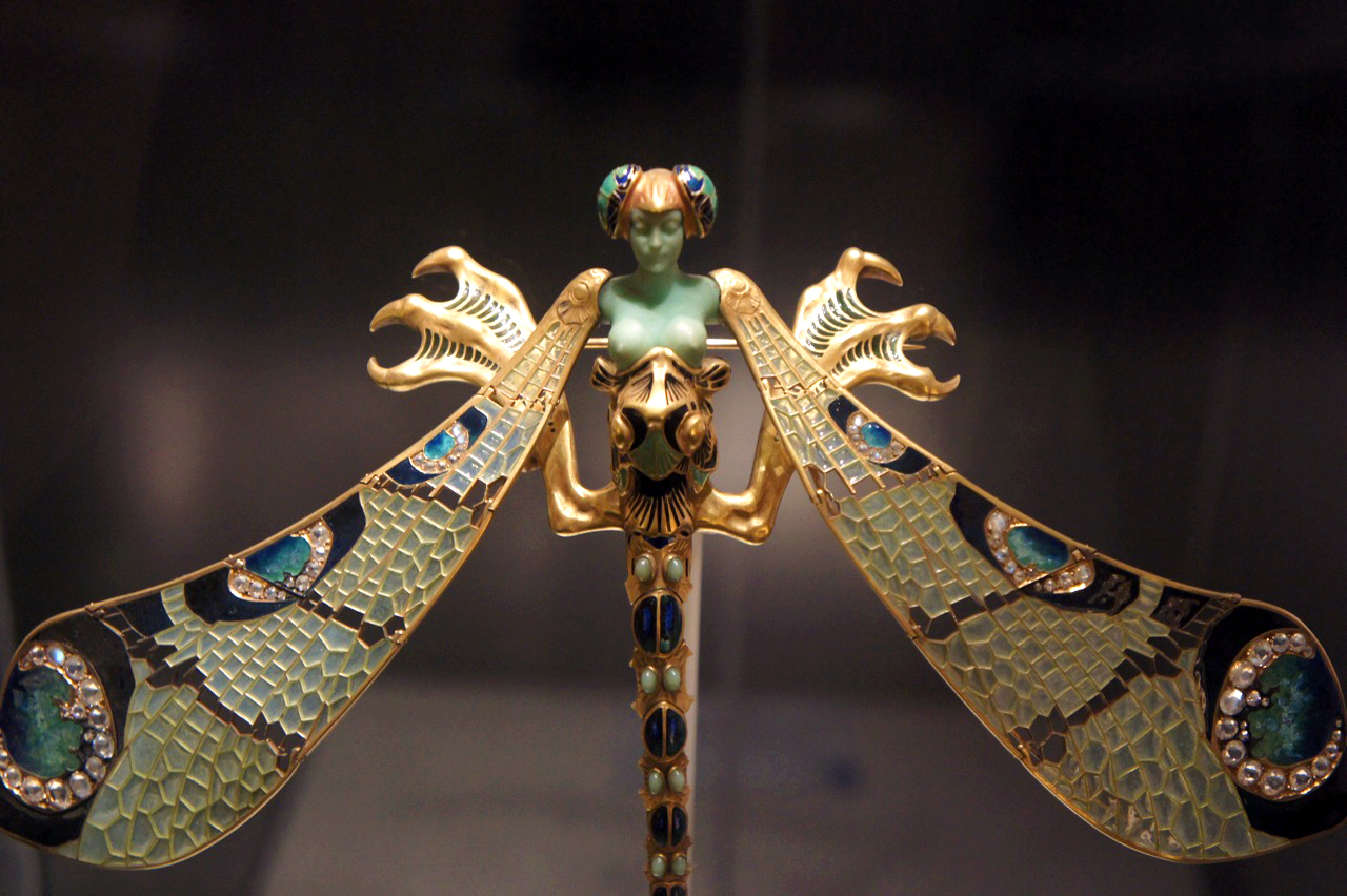 Dragonfly-woman brooch made of Gold, enamel, chrysoprase, chalcedony, moonstones, and Diamonds