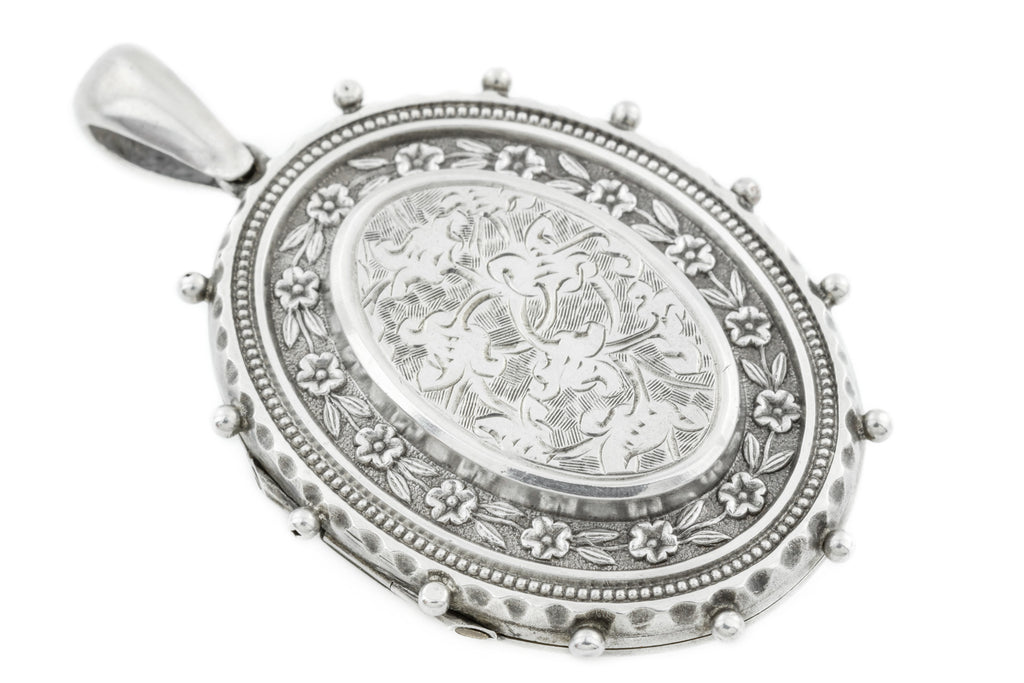 Victorian Aesthetic Silver Locket c.1881