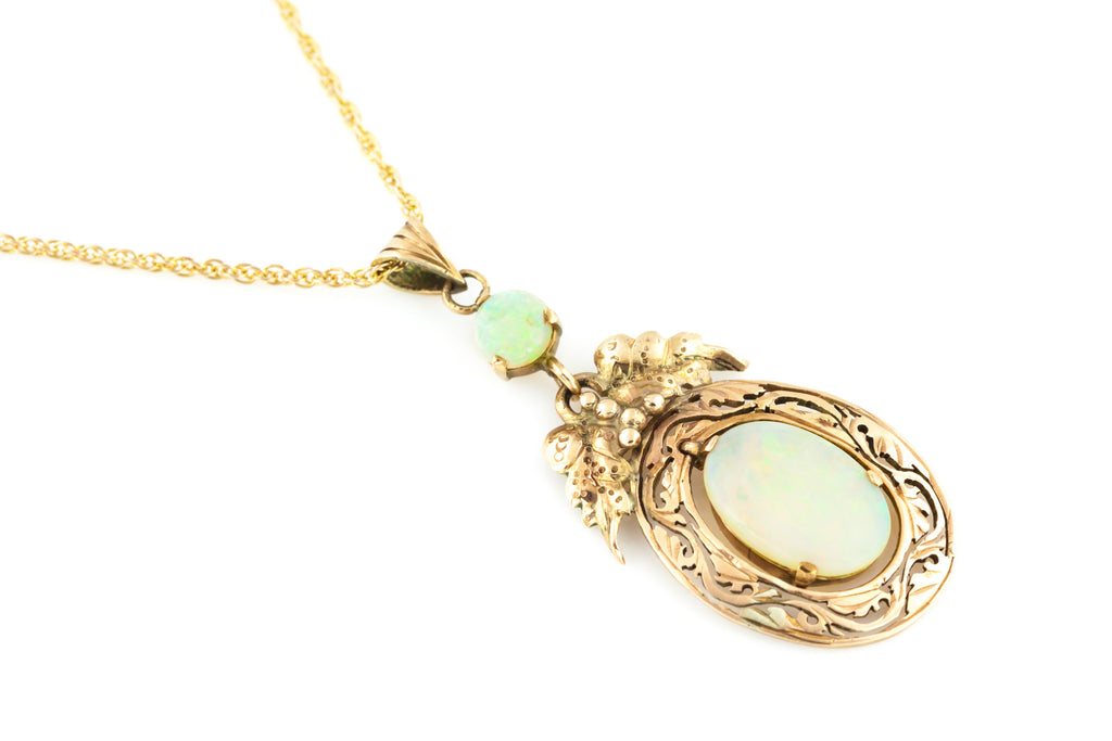 Art Nouveau 14ct Gold Opal Pendant with Chain c.1910