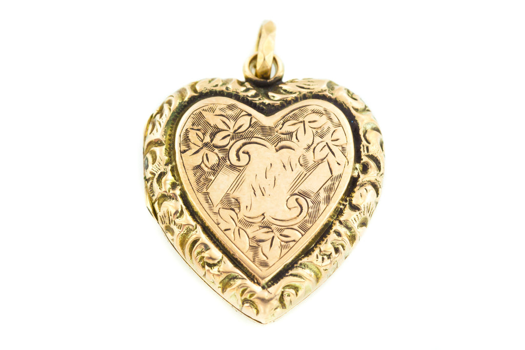 "Antique Gold Heart Locket with 18"" Chain"