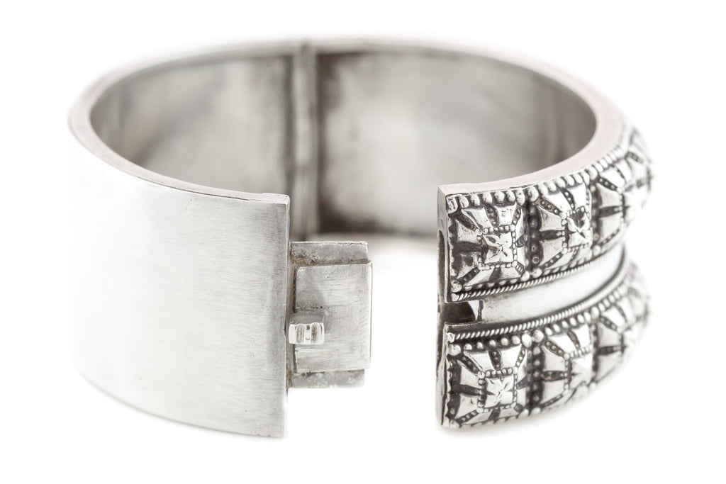 "Fine English Silver Victorian ""Punk"" Hinged Cuff Bangle c.1876"