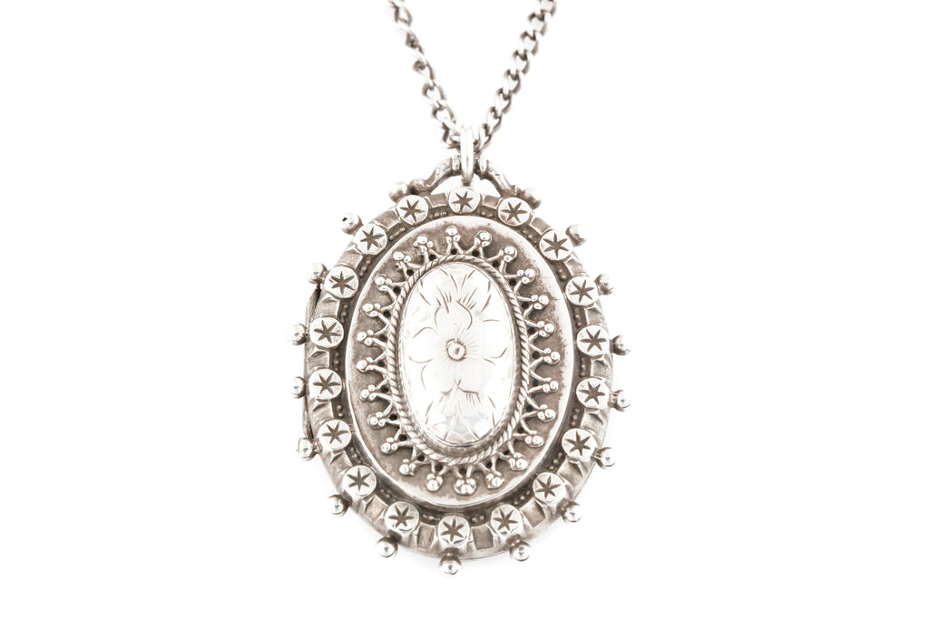 Silver Victorian Aesthetic Locket with Embossed Star and Beaded Edge