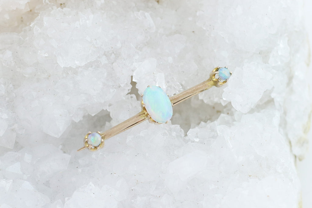 Stunning Antique 9ct Gold Opal Brooch c.1900