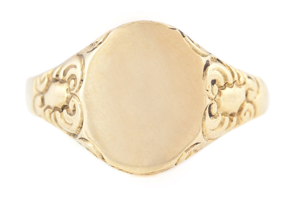 9ct Gold Antique Oval Signet Ring with Scrolled Detail c.1901