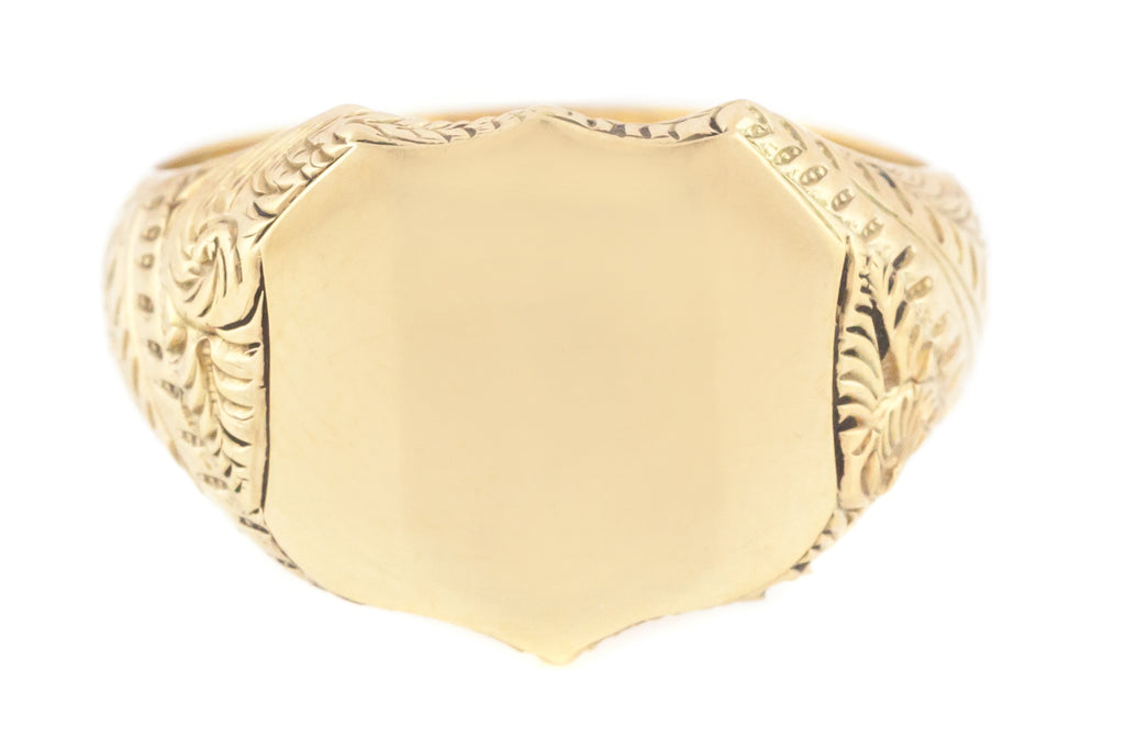 9ct Gold Shield Signet Ring with Engraved Shoulders c.1899