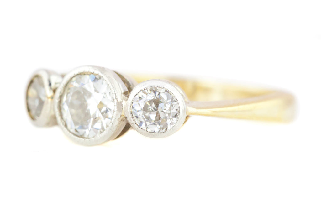RESERVED! -Art Deco Diamond Trilogy Ring in 18ct & Platinum - 0.40cts