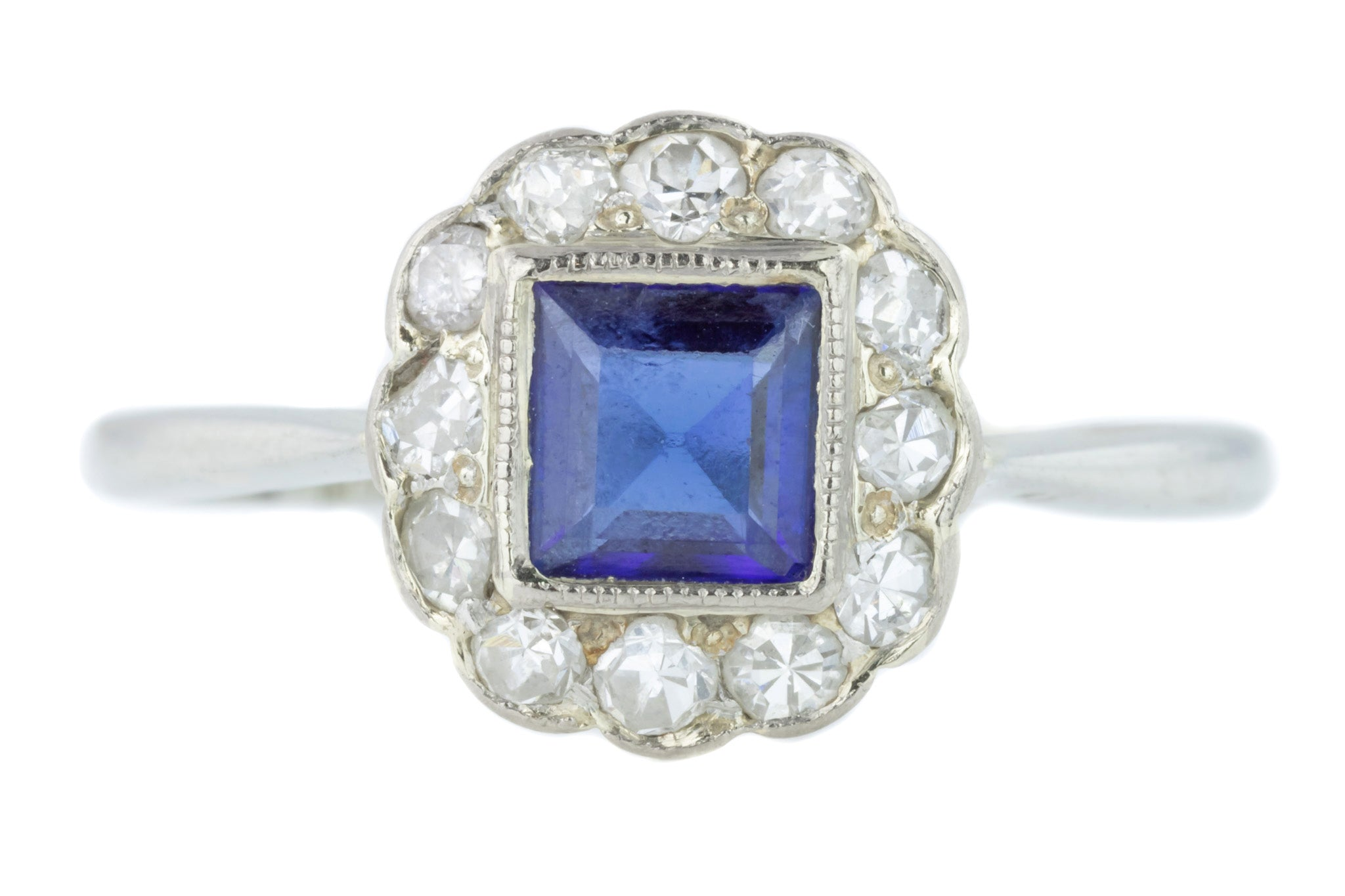 Edwardian 18ct gold and Platinum ring with sapphire and diamond cluster