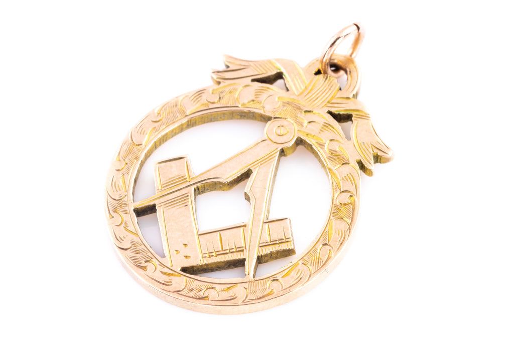 Edwardian 9ct Gold Masonic Pendant with Bow