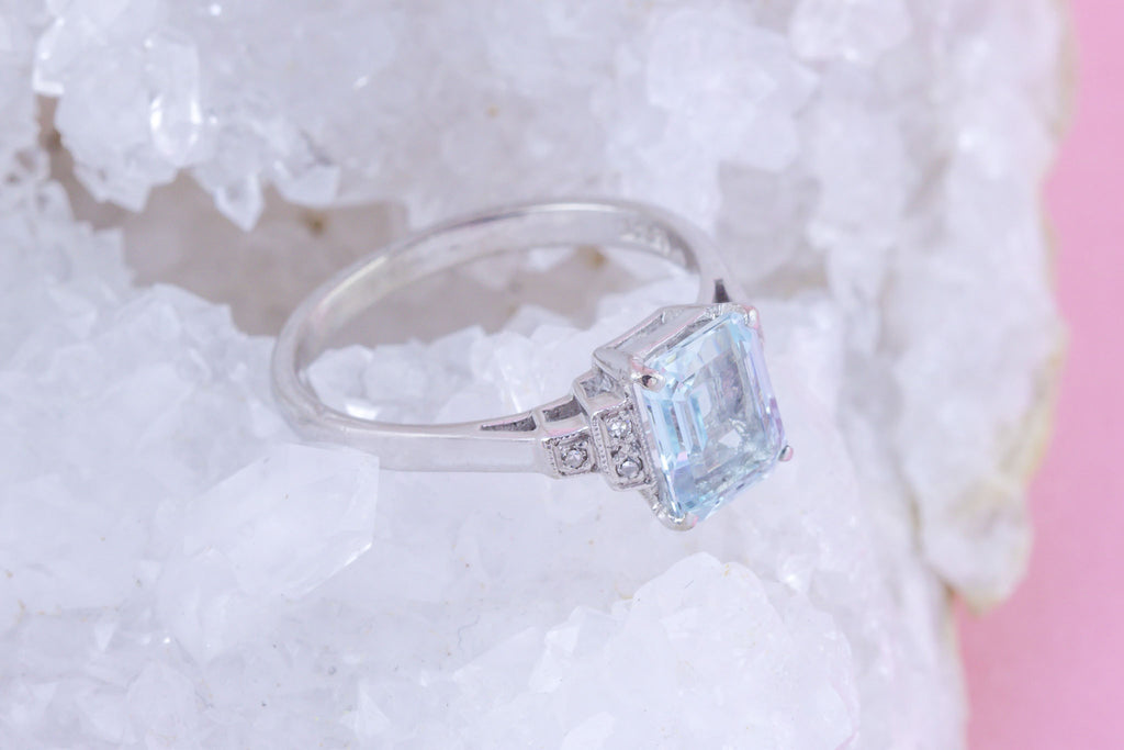 Art Deco 18ct White Gold Aquamarine and Diamond Ring