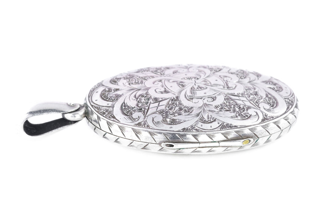 Victorian Aesthetic Silver Oval Locket