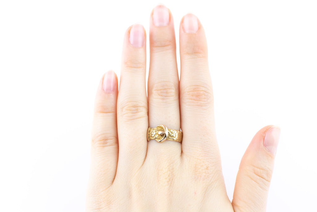 18ct Gold Antique Buckle Ring with Ivy Leaves and Flowers