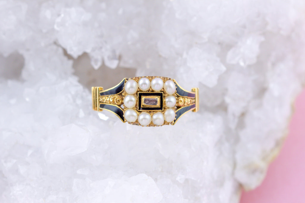 Rare Georgian 18ct Gold Pearl Mourning Ring -(Hallmarked 1823)