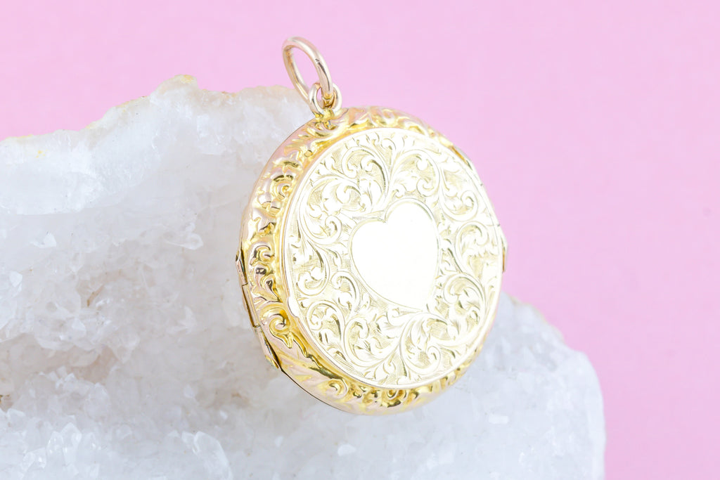 RESERVED! - Antique 9ct Gold Heart Locket