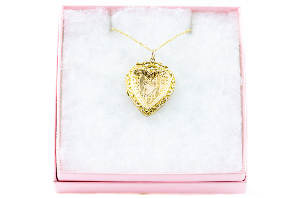Beautiful Edwardian 9ct Gold Heart Locket with Chain
