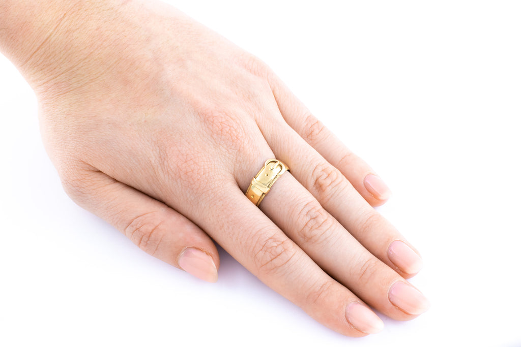 Victorian 18ct Gold Buckle Ring c.1885