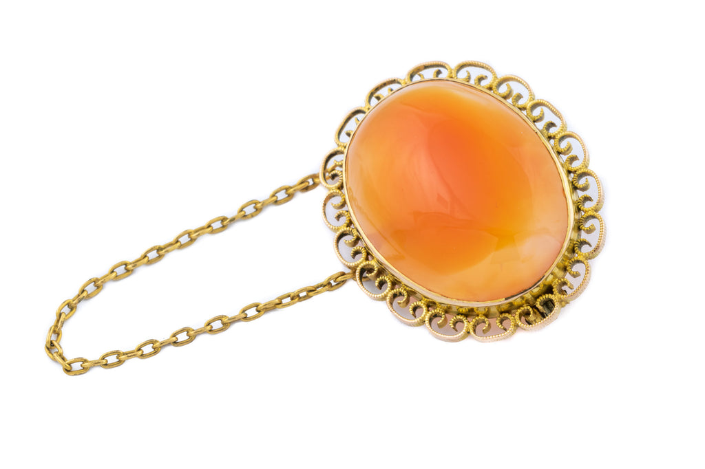 Victorian Agate Brooch in 12ct Gold (26.92ct)