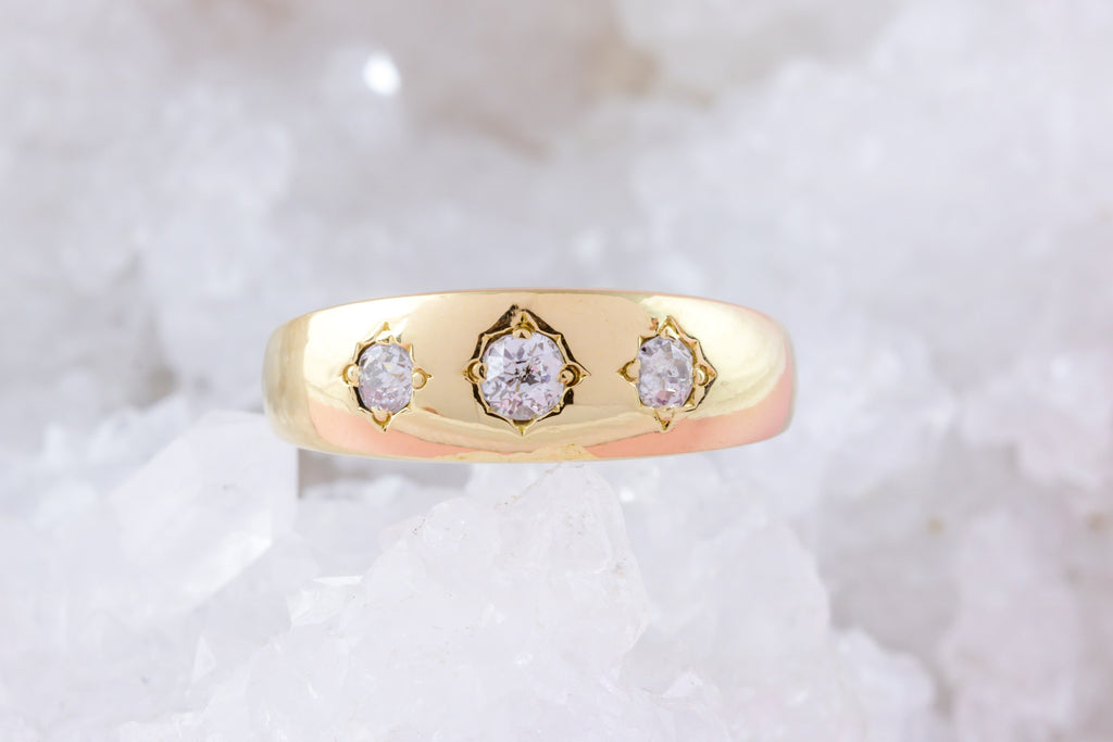Antique 18ct Gold Diamond Gypsy Ring (0.17ct)