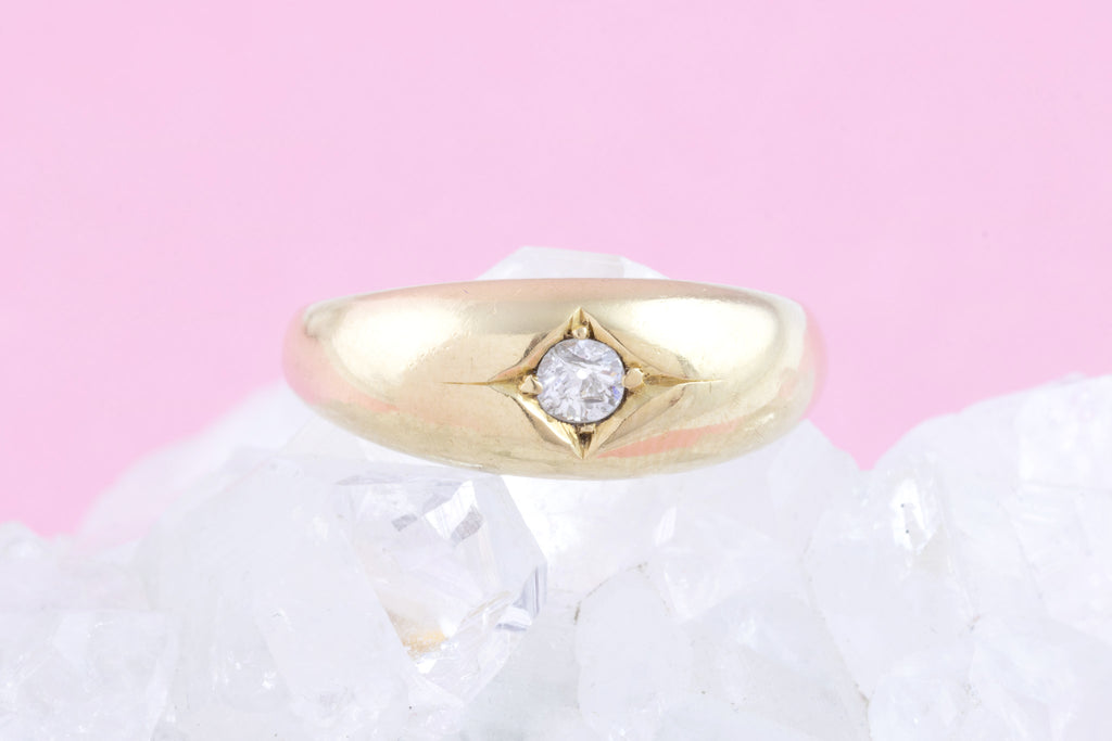 "18ct Gold Antique ""Gypsy"" Diamond Ring 2.8g (0.10ct)"