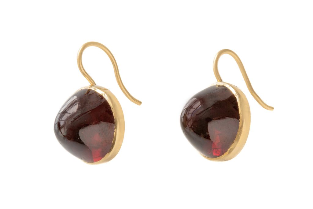 Antique 18ct Gold Garnet Cabochon Earrings, (16.00ct)