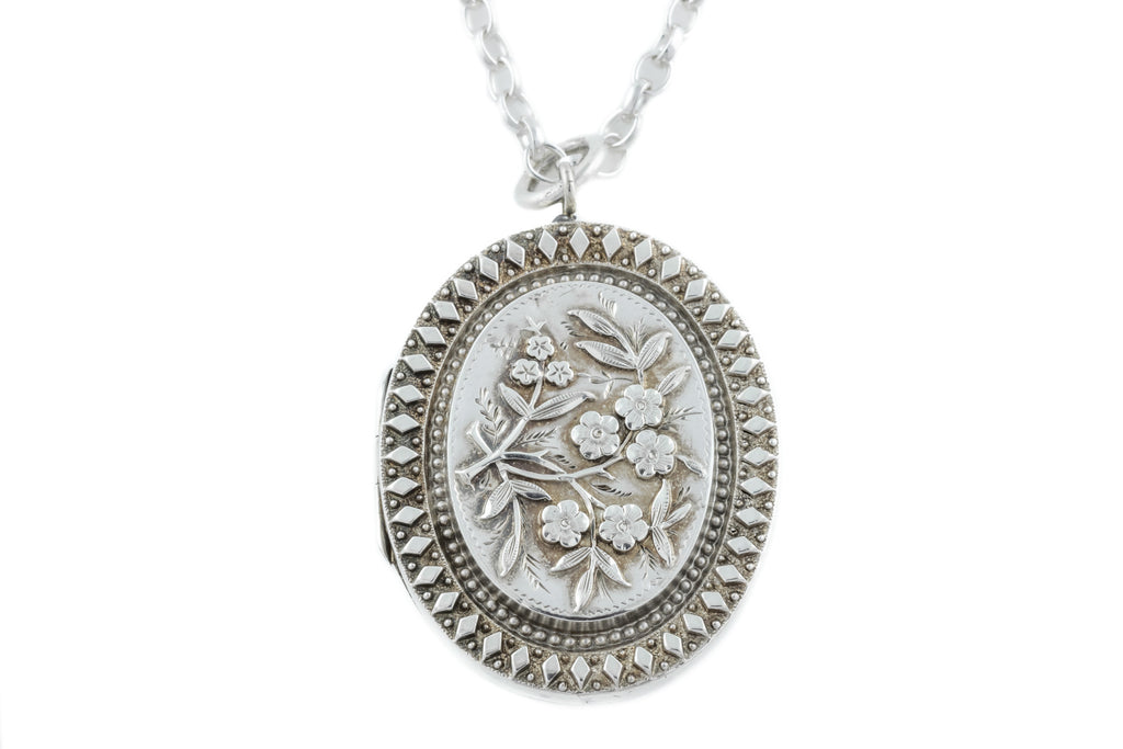 Victorian Aesthetic Silver Locket c.1882