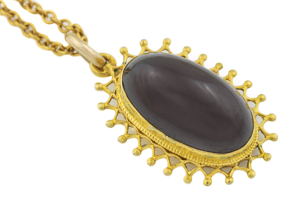 "Georgian 18ct Gold Garnet Pendant (8.55ct), with 21"" Chain"