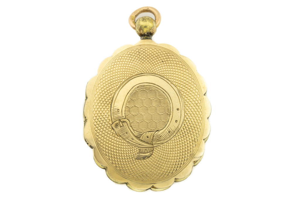 Victorian 9ct Gold Locket with Scalloped Edges