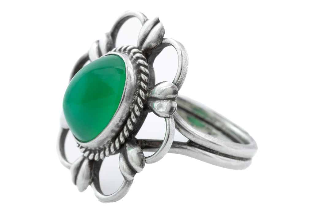 Arts and Crafts Era Chrysoprase Ring (3.11ct)