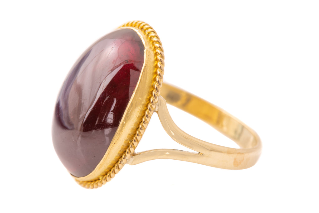 15ct Gold Antique Garnet Cabochon Ring (16.8ct)