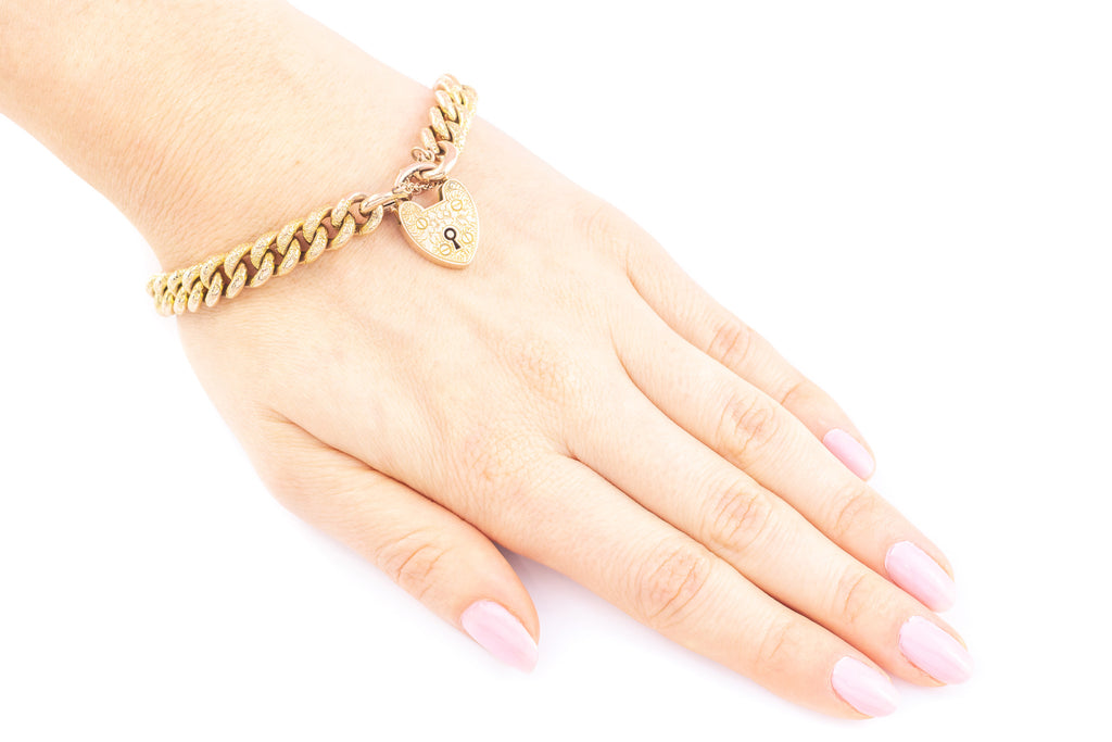 Victorian Gold Curb Chain Bracelet with Heart Padlock (17.5g)