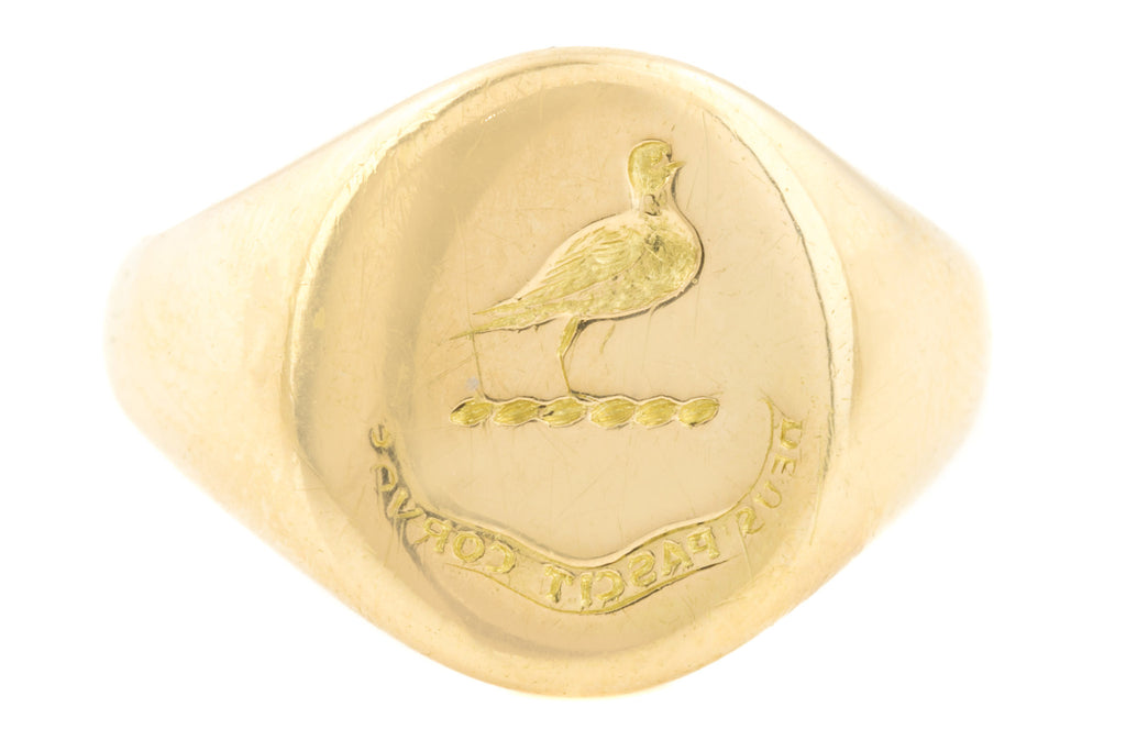 "Antique 18ct Gold Signet Ring, ""Dues Pascit Corvos"""