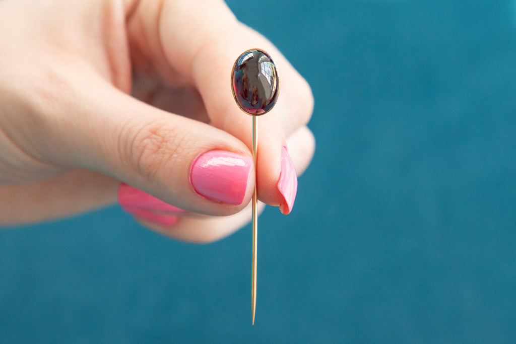 15ct Gold Antique Garnet Stick Pin