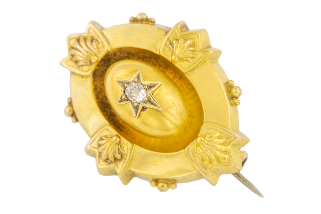 Victorian 18ct Gold Diamond Etruscan Brooch (0.11ct)