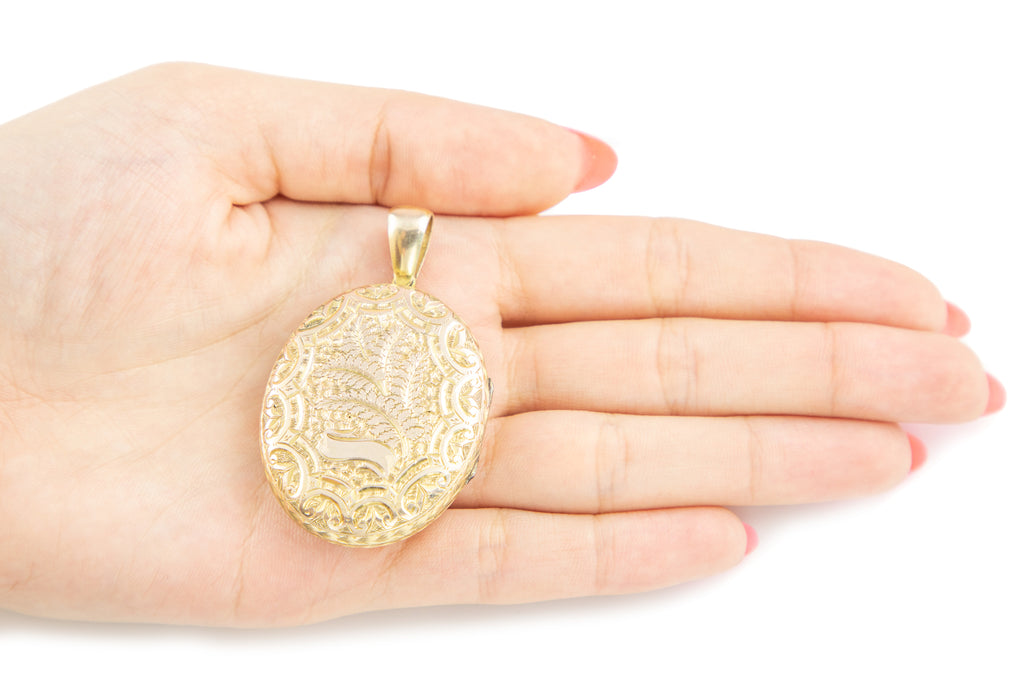 Large Victorian Solid Gold Oval Locket