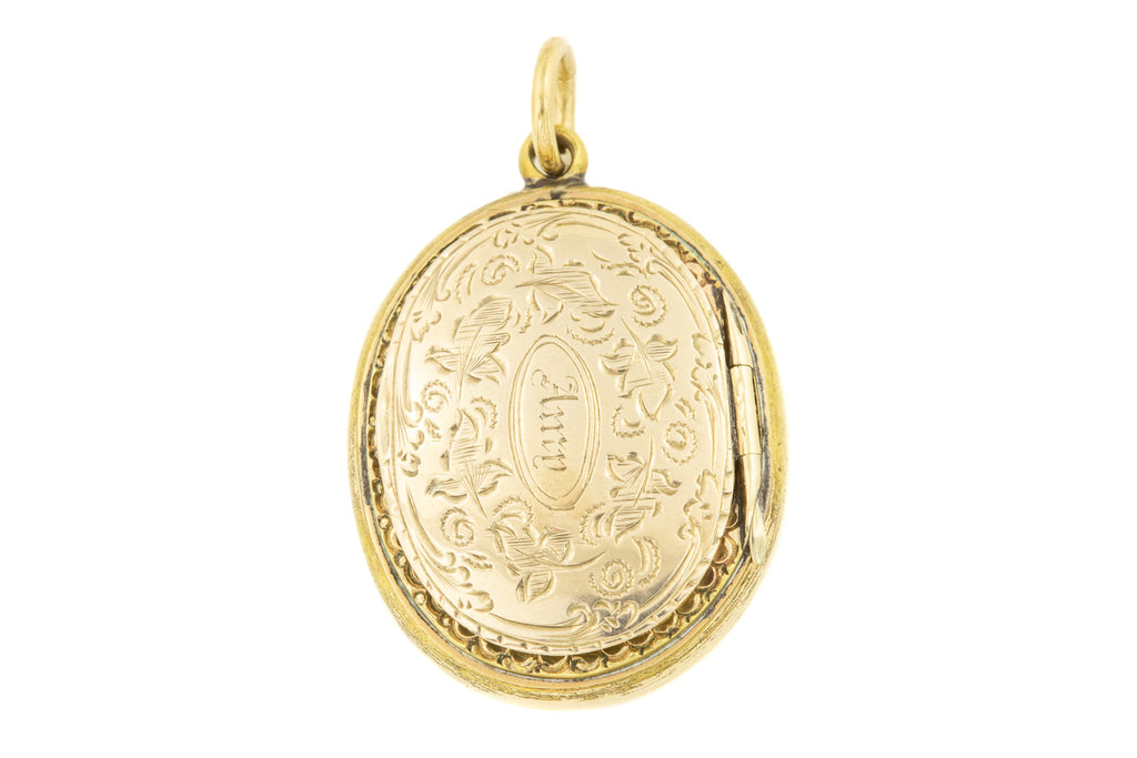 "Victorian Gold Shaker Locket Inscribed ""Amy"""