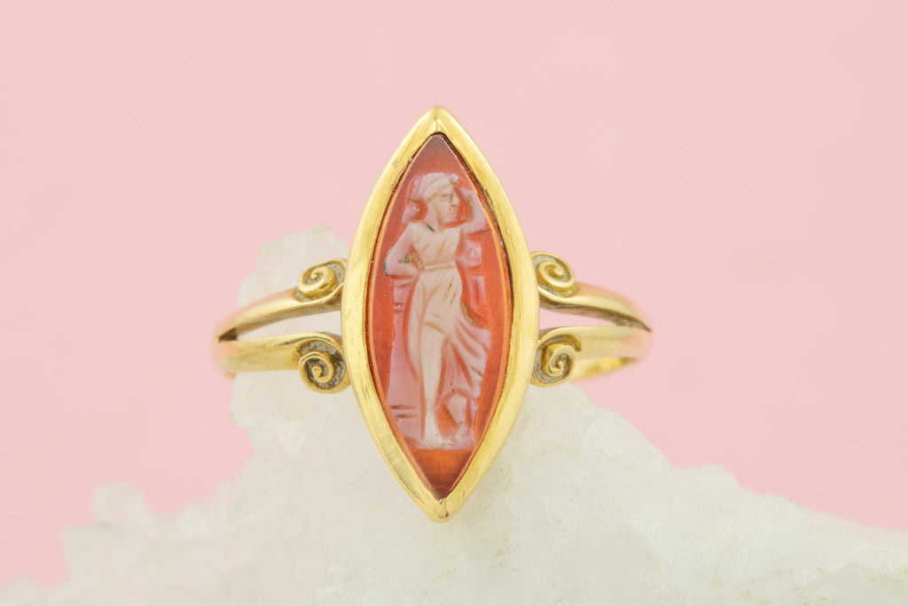 Antique 18ct Gold Cameo Ring
