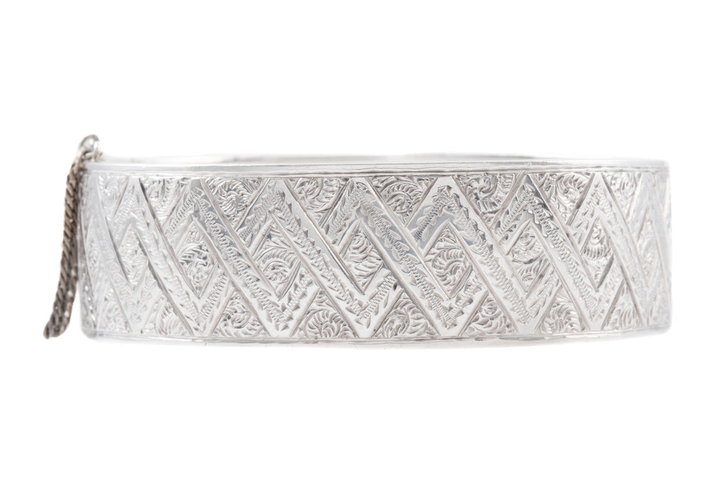 "Victorian Silver ""Zig Zag"" Engraved Bangle"