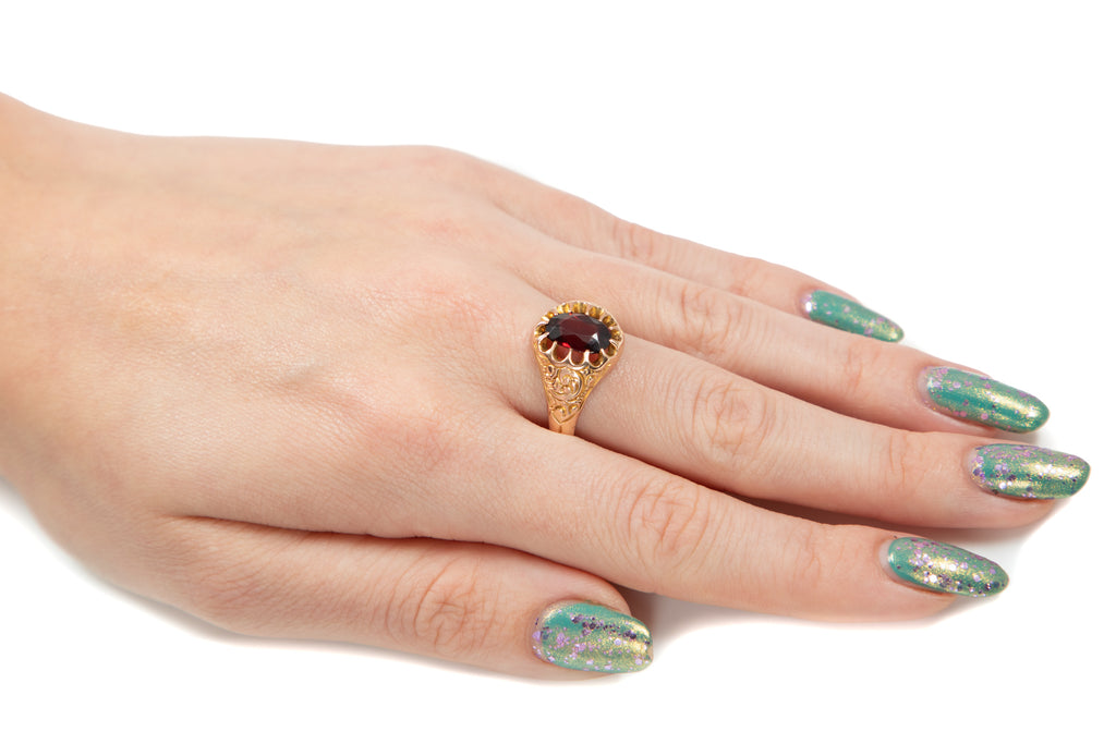 Large Art Deco Gold Garnet Ring, (2.65ct)
