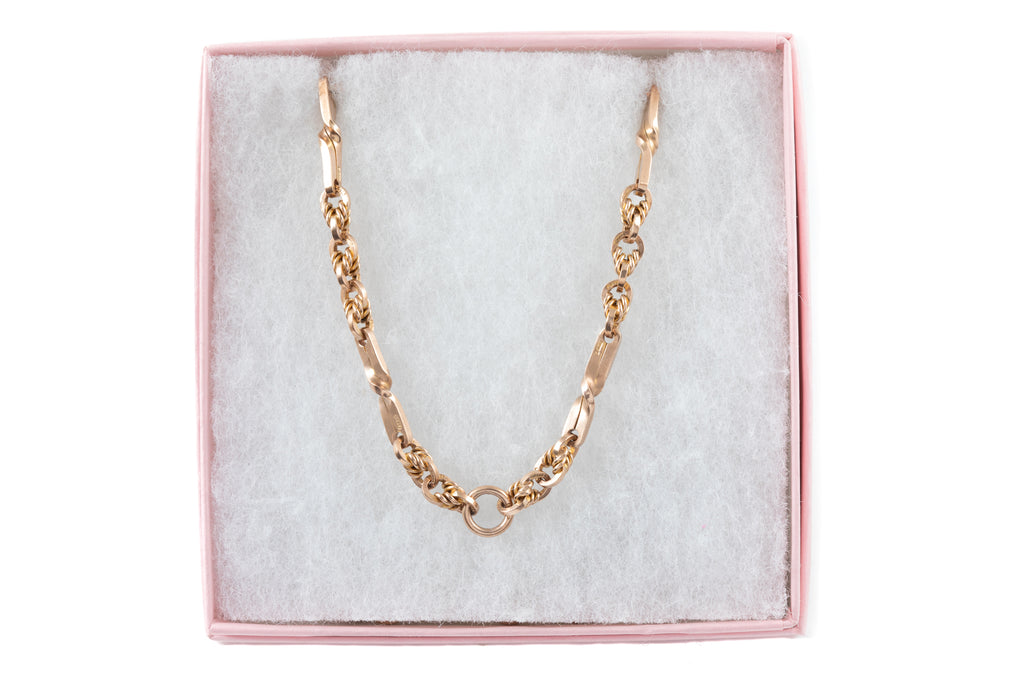 "Victorian Gold Lover's Knot Chain, 16 & 1/2"" (26.2g)"