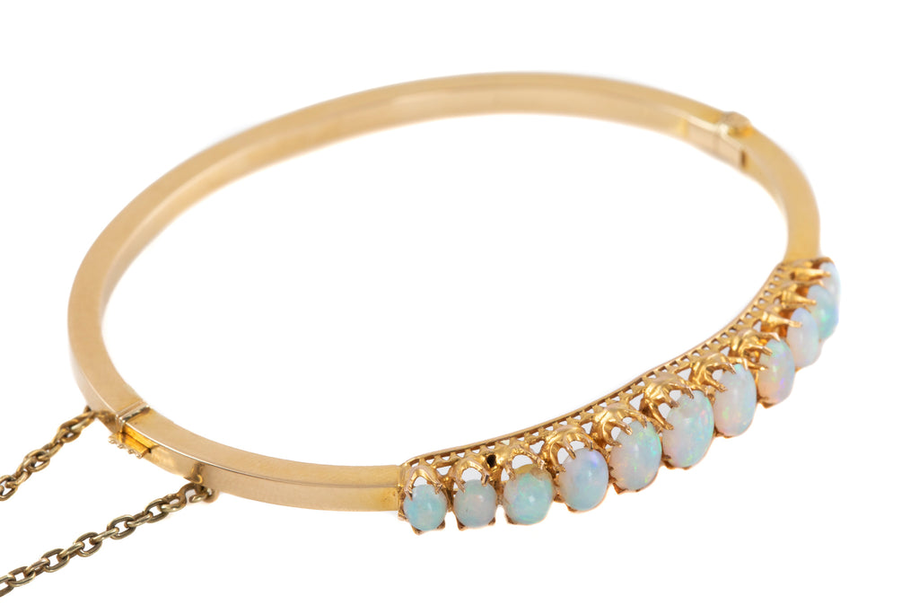 Victorian 15ct Gold Opal Bangle (2.75ct)