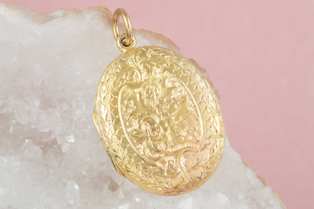 Victorian 15ct Gold Oval Locket with Engraved Forget-Me-Nots
